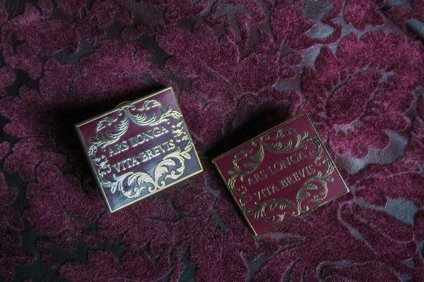 burgundi ARS pin