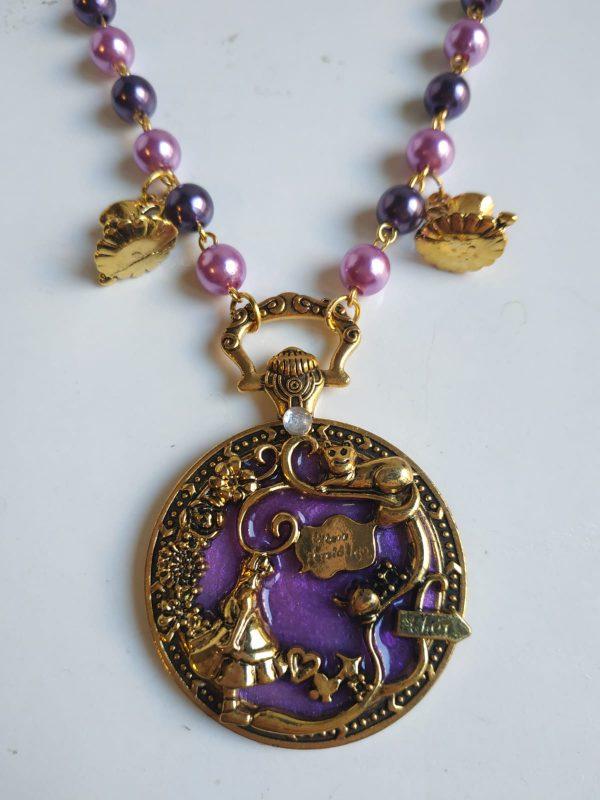 alice violet detail
