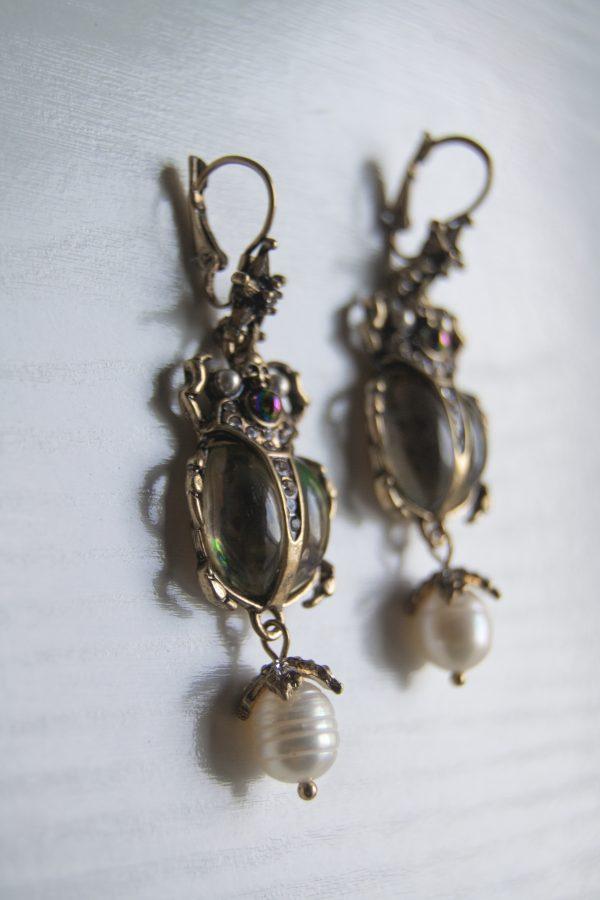 Beetle earrings detail