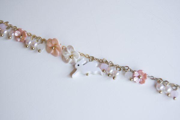 pink rabbit bracelet detaol