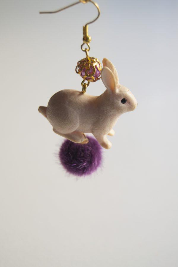Rabbit violet side