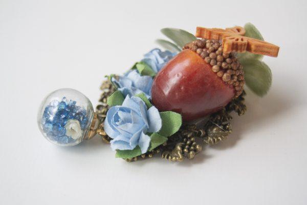 blue brooch side