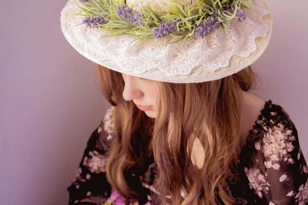 Model hat