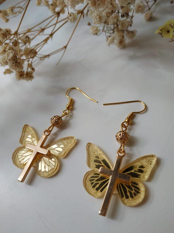 golden butterfly side