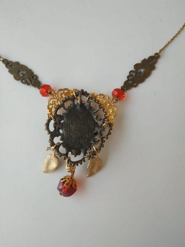 granada necklace back